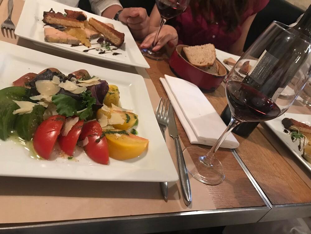 おいしそうなフランス肉料理の画像
