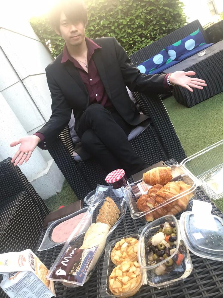 フランスのホテルで朝食