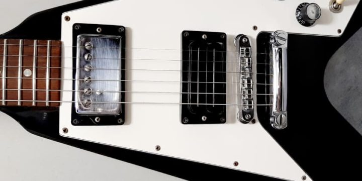 Gibson フライングVにビルローレンスのハムバッカーピックアップ搭載