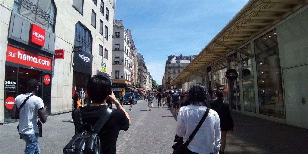 フランスの街とYAMA-B