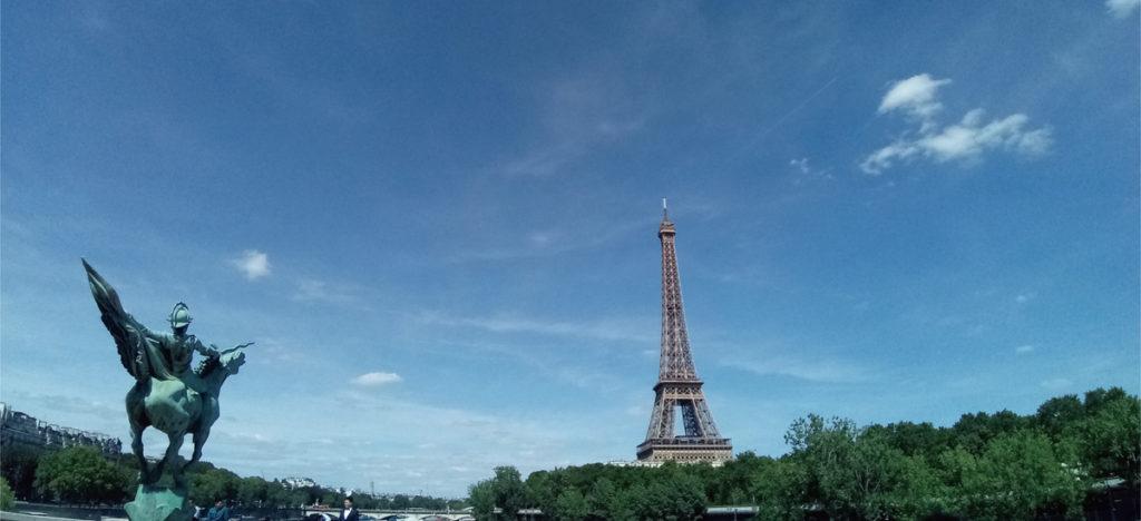 パリの美しい風景とエッフェル塔